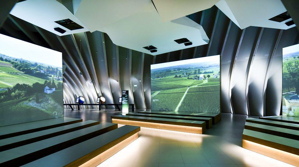 Bordeaux - La Cité du Vin : Le Tour du Monde des Vignobles Crédits de la photo : Photos Anaka/ La Cité du Vin/ Casson Mann