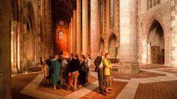 Toulouse Couvent des JacobinsToulouse Couvent des Jacobins Des visiteurs dans l'église©Jacques Sierpinski