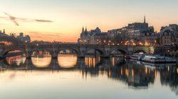 Croisière-promenade sur la Seine au coucher du soleil avec le Pont Neuf
