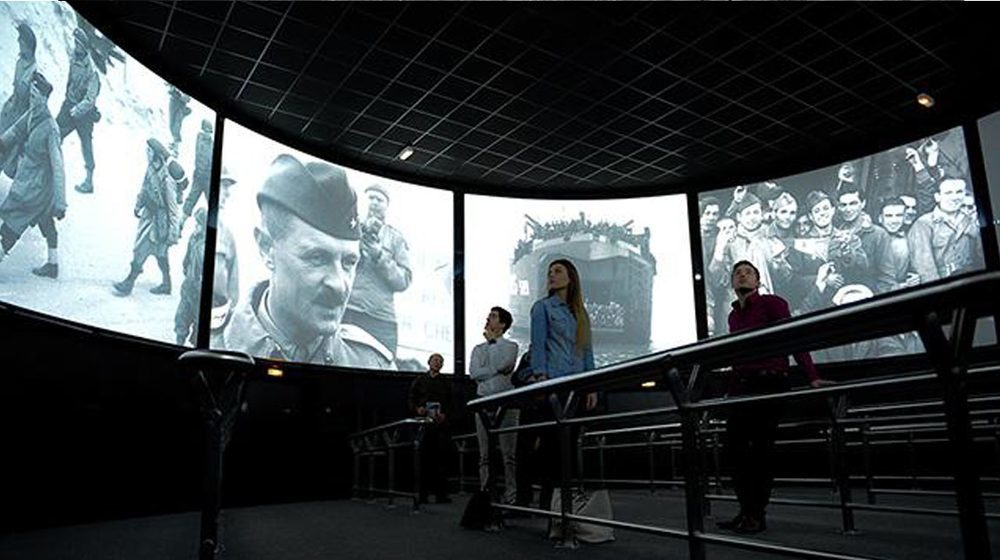 The cinema 360 degress