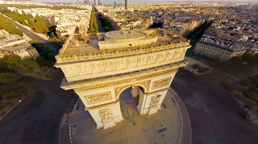 Vue sur l'Arc de Triomphe © FlyView Paris