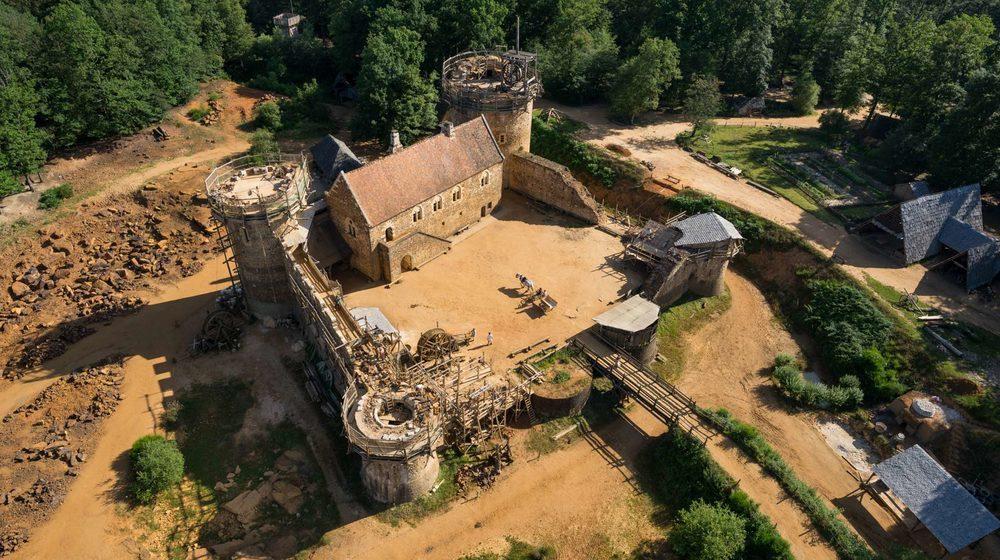 Guédelon château fort (ph. D Gliksman - Inrap)