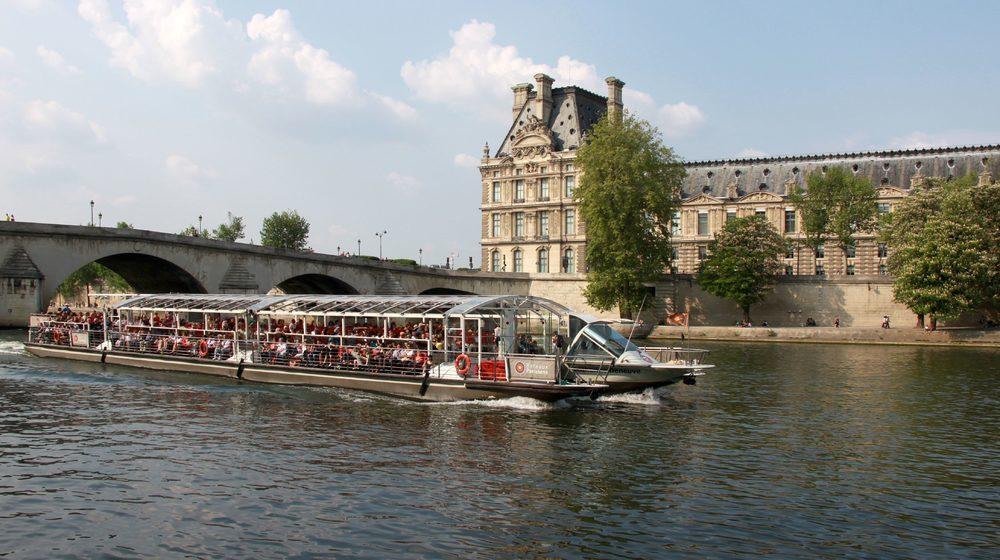 bateaux-parisiens-louvre