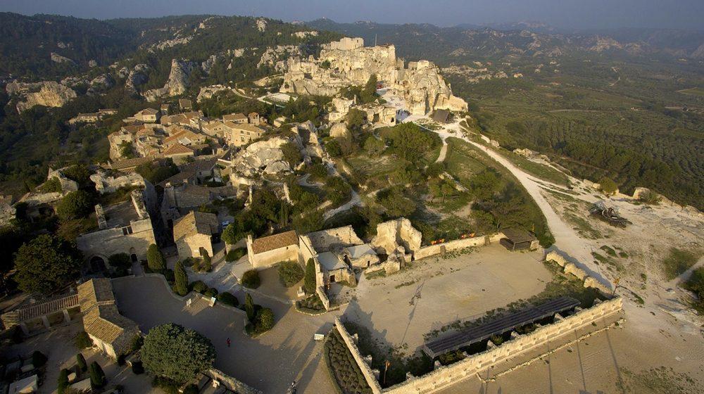 chateau-des-beaux-de-provence-vue-exterieure