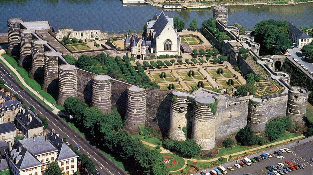 chateau-d-angers-exterieur-haut